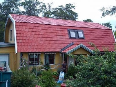 Gult-hus-rött-tak
